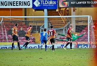 Ben Williams Saves Lee Noble's Effort