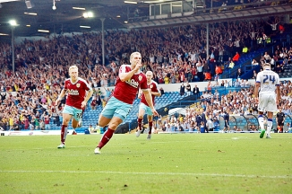 Sam Vokes Celbrates Goal